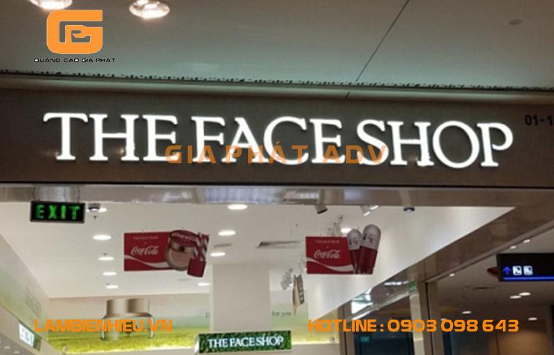 Mẫu bảng hiệu alu chữ nổi the face shop
