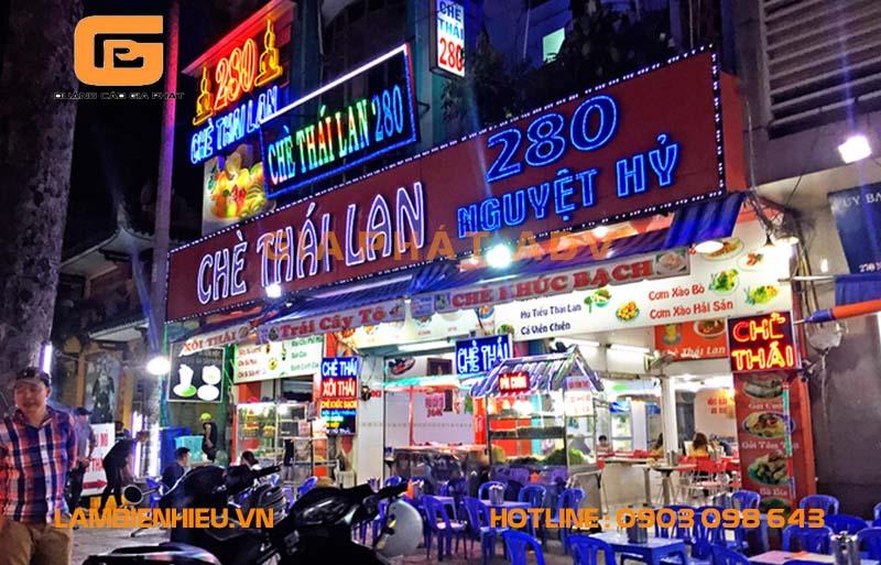 Mẫu bảng hiệu chè Thái Lan bằng mica trong