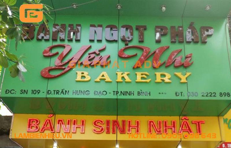 Mẫu biển hiệu bánh kem đẹp sang trọng