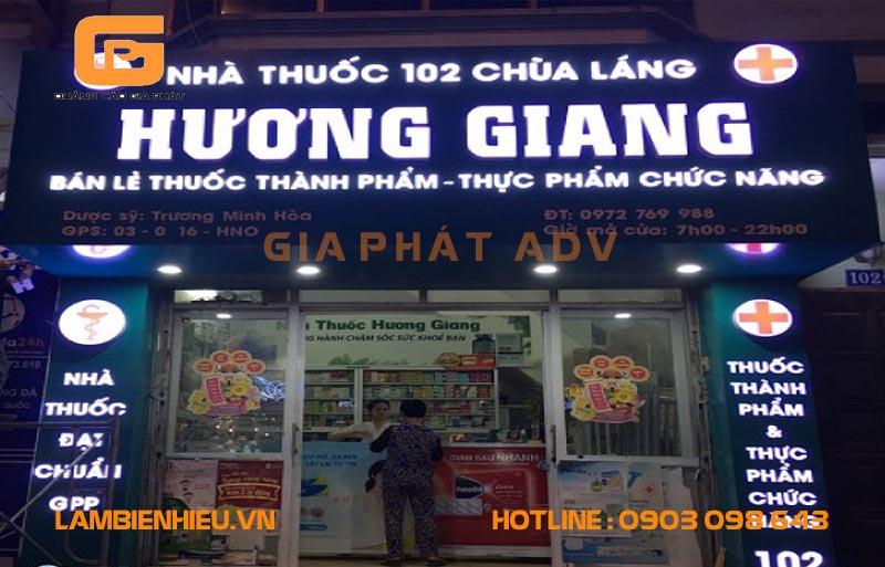 Biển hiệu tiệm thuốc tây Hương Giang đẹp với led trợ sáng tiết kiệm điện