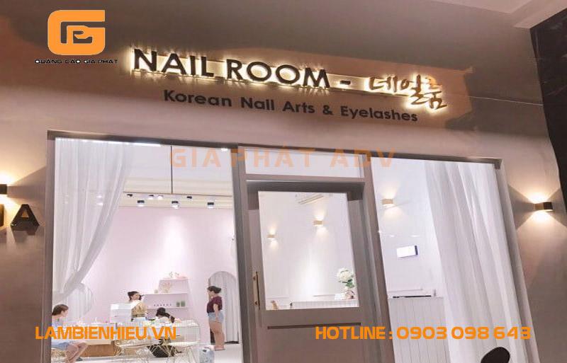 Bảng hiệu tiệm nails phong cách Hàn Quốc