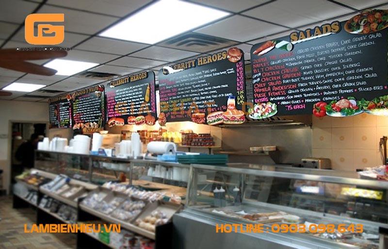 Mẫu biển hộp đèn siêu mỏng menu thể hiện sự chuyên nghiệp và sang trọng cho nhà hàng quán ăn