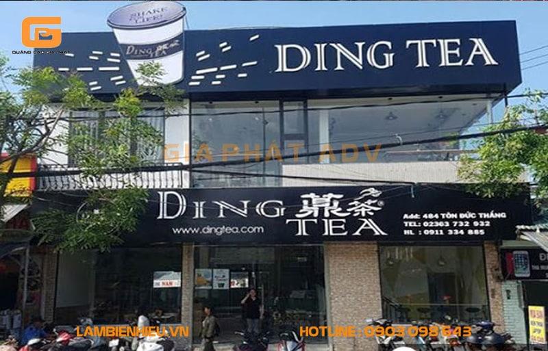 Bảng hiệu của quán Ding Tea