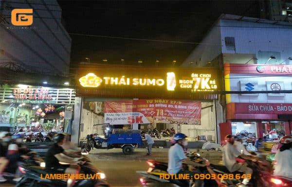 Bảng hiệu mica quán ăn Thái Sumo