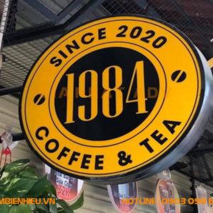 Hộp đèn vẫy mica quán cafe 1984